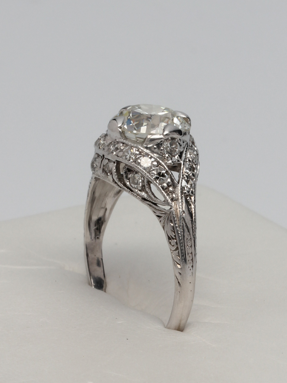 "Platinum ""New Vintage"" 1920's Setting"
