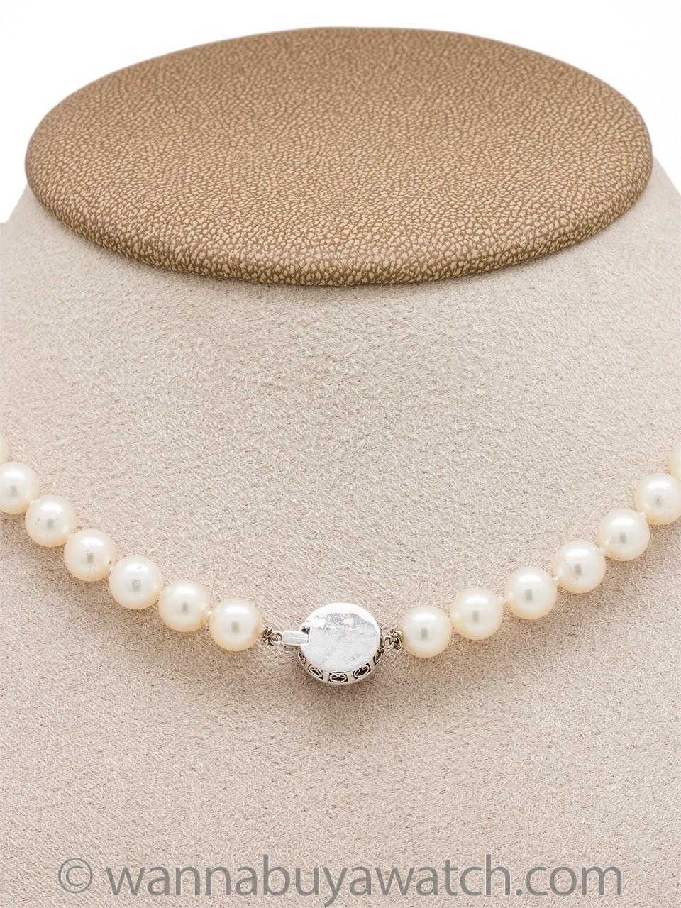 Pearl Choker with Sapphire and Diamond Clasp